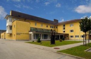 Bezirksalten- und Pflegeheim Sierning